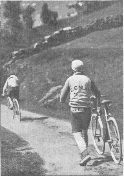 Octave Lapize and Pierino Albini on the Aubisque