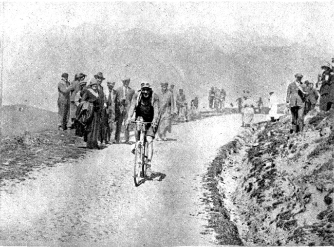 Rober Jacquinot climbs the Aubisque in 1914