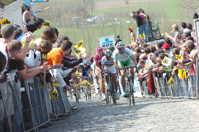 Marcus Burghardt leads Paolo Bettini up the Patersberg