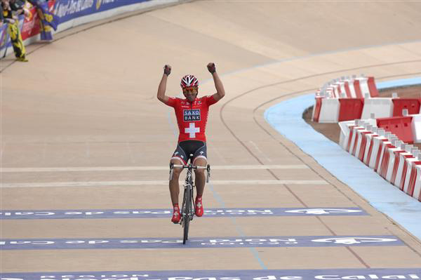 Cancellara wins