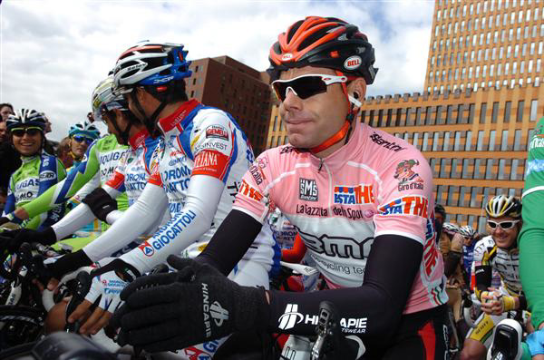 Cadel Evans on the start line for stage 3