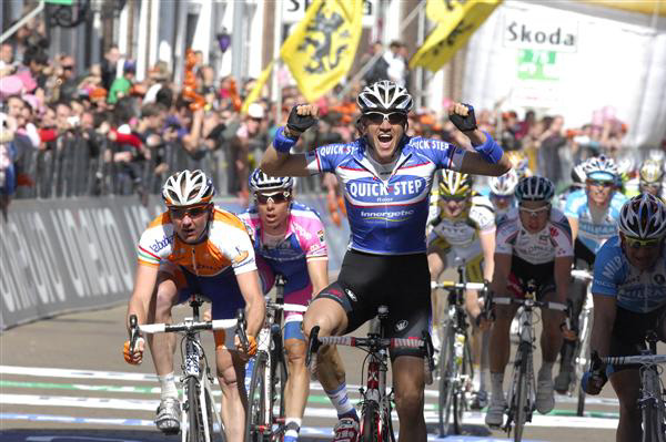 Weylandt wins stage 3