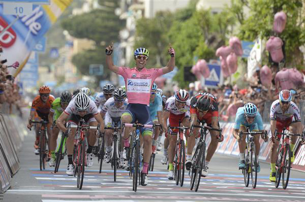 Michael Matthews wins Giro stage 3