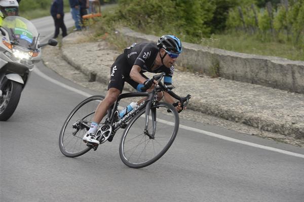 2015 giro d 39 italia by bikeraceinfo for Richie porte crash