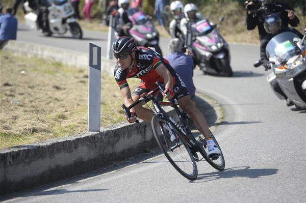 Philippe Gilbert descends to the finish at Verbania