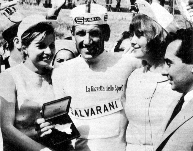 Adorni as the new maglia rosa of the 1965 Giro