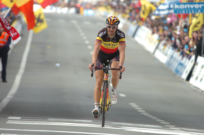Boonen finishes second in 2010 Tour of Flanders