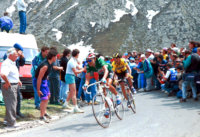 Chiappucci on the Pordoi Pass n the 1990 Giro d'Italia