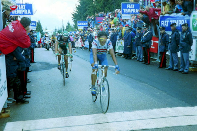 Chiappucci finishes the 13th stage of the 1992 Giro d'Italia