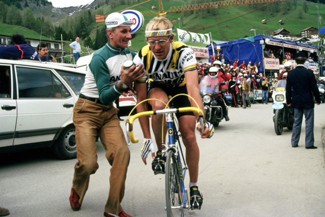 Laurent Fignon after winning stage 20 of the 1984 Giro d'Italia and the maglia rosa
