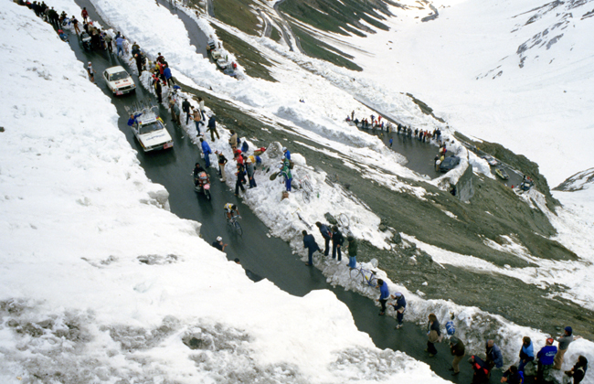 Bernard Hinault on the Stelvio in the 1980 Giro d'Italia