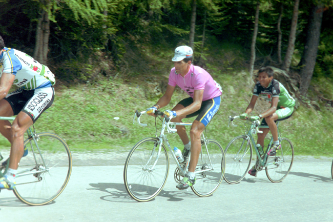 Indurain climbs to Corvara alta badia in the 1992 Giro d'Italia
