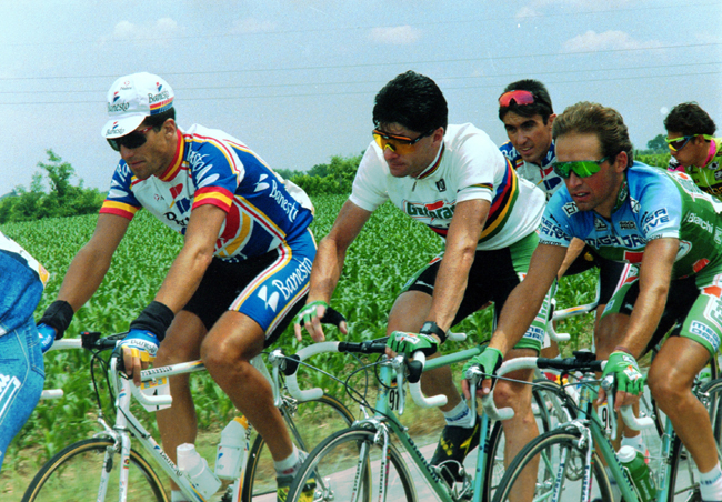 Miguel indirain and Giranni Bugno in stage 13 of the 1993 Giro