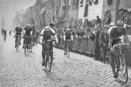 Magni racing on cobbles