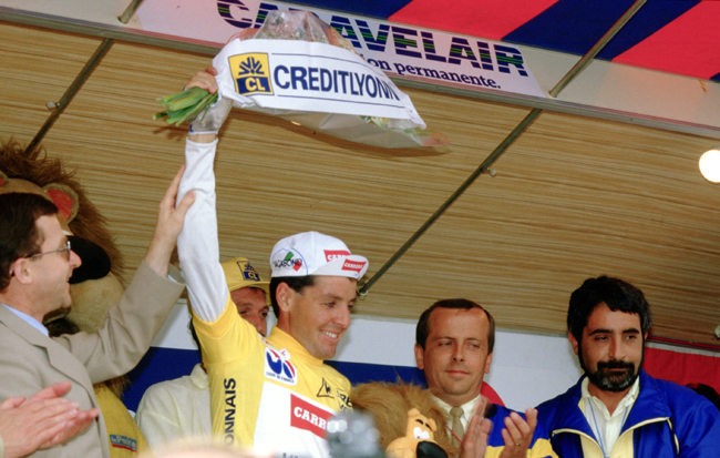 Stephen Roche in yellow after Tour de France stage 19