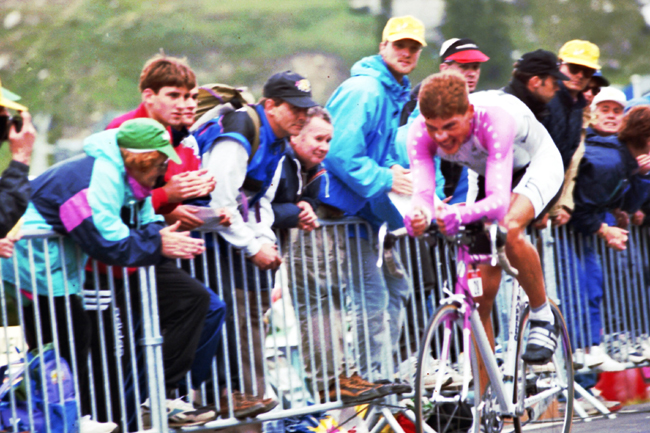 Jan Ullrich time trialing in stage 18 of the 1996 Tour de France