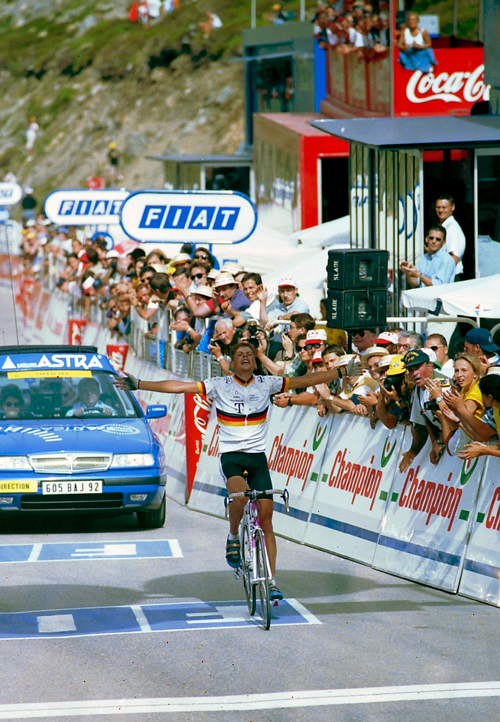 Jan Ullrich wins stage 10 of the 1997 Tour de France