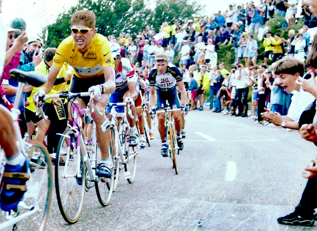 Ullrich rides to Fribourg in the 1997 Tour de France