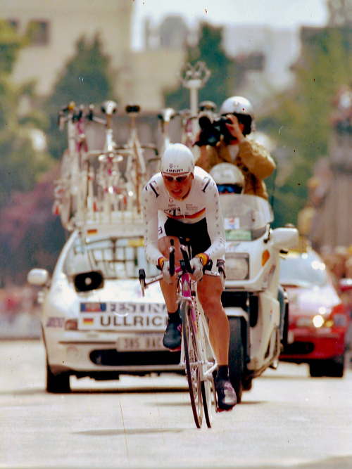 Jan Ullrich riding the 1997 Tour de France prologue