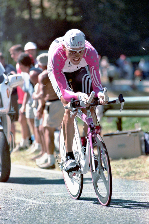 Jan Ullrich rider stage 7 of the 1998 Tour de France