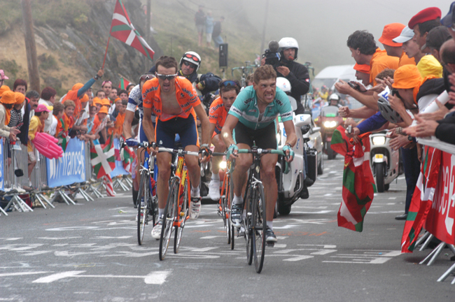 Ullrich races to Luz Ardiden in stage 15 of the 2003 Tour de France
