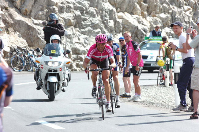 Ullrich riding to La Punt in stage 6 of the 2006 Tour of Switzerland