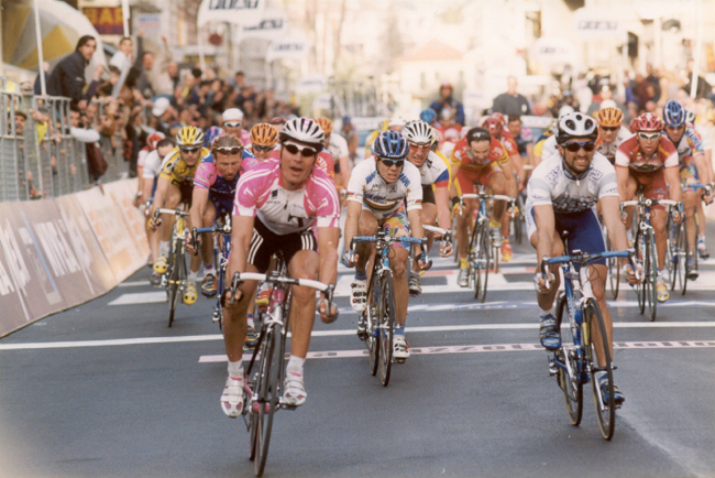 Erik Zabel wins the 2000 Milano-San Remo