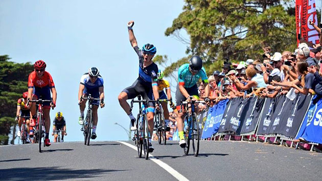 Patrick Shaw wins stage 3