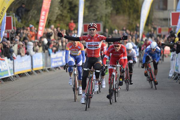 Tony Galopin wins stage 4