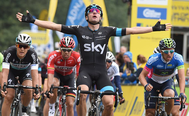 Elia Viviani wins Tour of Britain stage 3