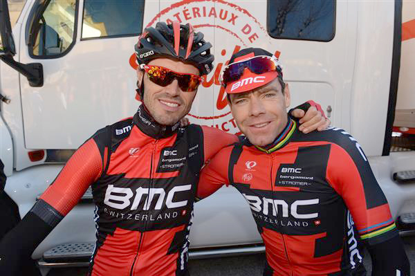 Samuel Sanchez and Cadel evans at the start