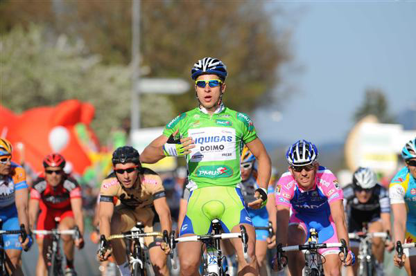 Sagan wins stage 1