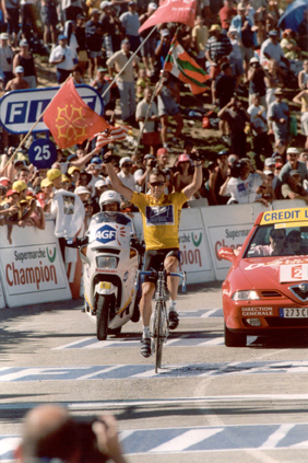 Lance Armstrong wins stage 12