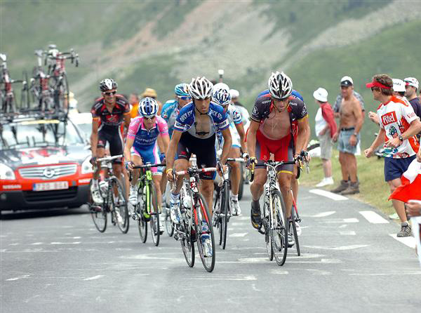 Armstrong and Barredo in stage 16 of the 2010 Tour de France
