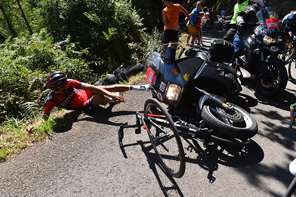 Greg van avermaet crash