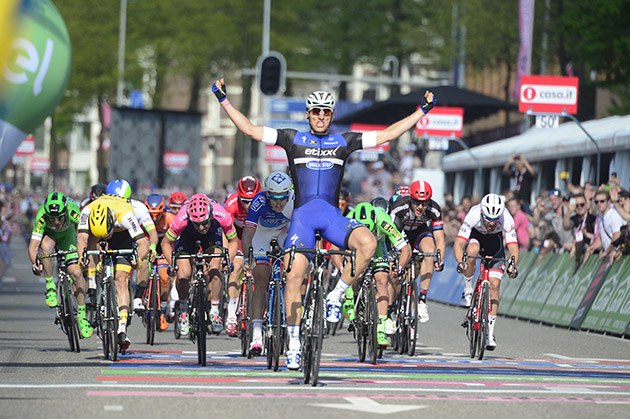 Marcel Kittel wins stage 2