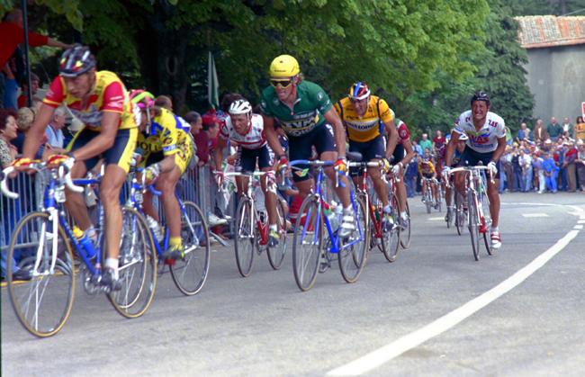 Phil anderson rides the 7th stage of the 1990 giro d'Italia