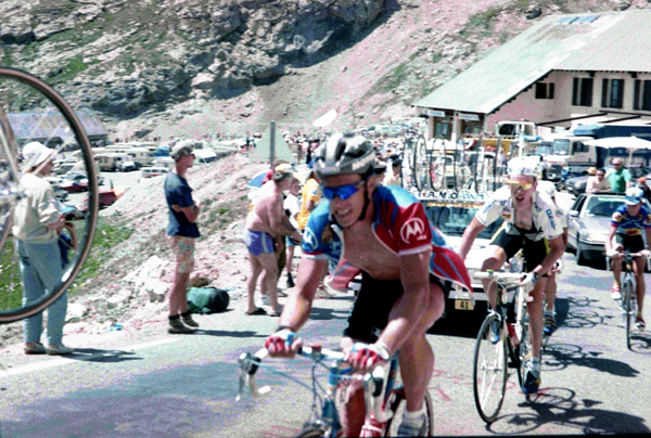 Phil Anderson climbs to l'Alpe d'Huez in the 1992 Tour de France