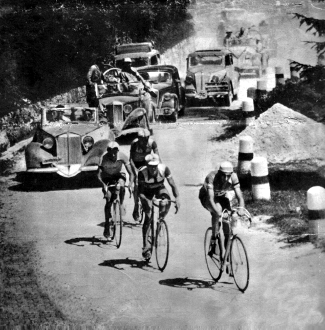 Coppi leads Ortelli, Bartali and Ronconi on the Passo Rolle in the 1946 Giro