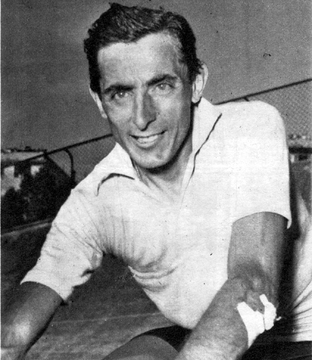Coppi wins the 1952 Giro d'Italia