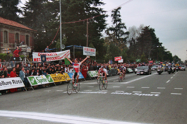 Gilles Delion wins the 1990 Giro di Lombardia