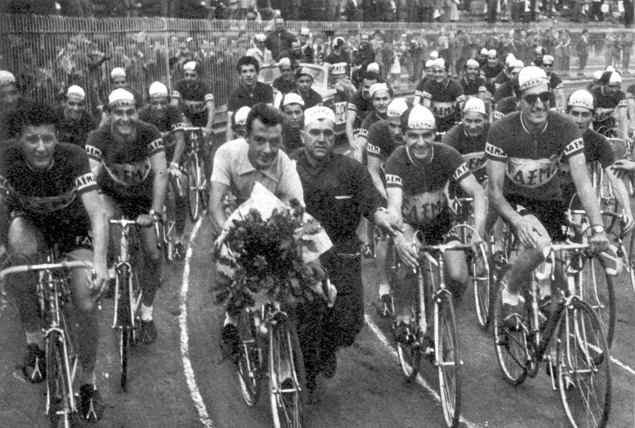 Charly Gaul and his team at the end of the 1956 Giro d'Italia