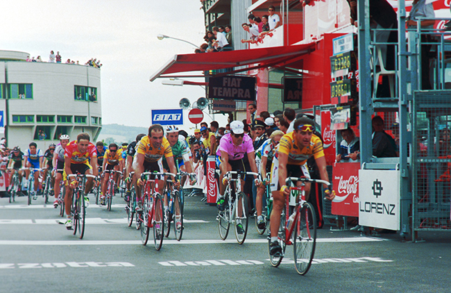 Indurain finishes the 6th stage of the 1992 Giro