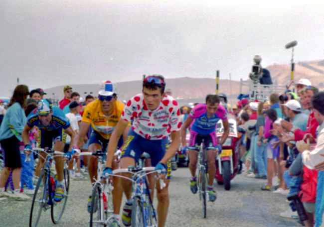 Richard Virenque leads Miguel Indurain in the 1994 Tour de France