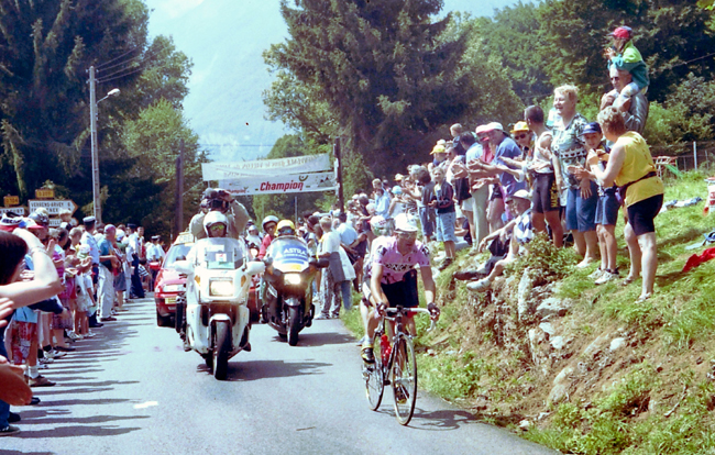 Jalabert rides to Morzine in the 1997 Tour de France