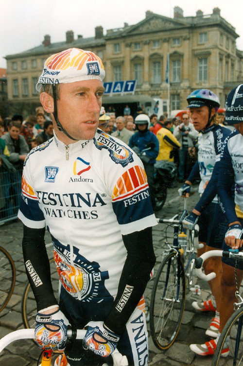 Sean Kelly at the start of the 1992 Paris-Roubaix