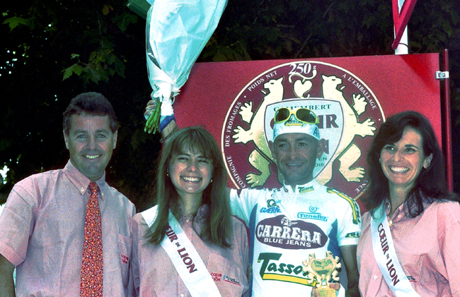 Stephen Roche with MArco pantani at the start of 1995 Tour de France stage 15