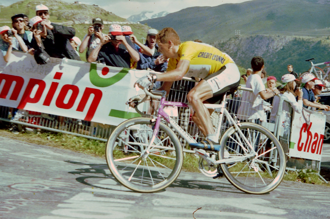 Ullrich rides to l'Alpe d'Huez in stage 13 of the 1997 Tour de France
