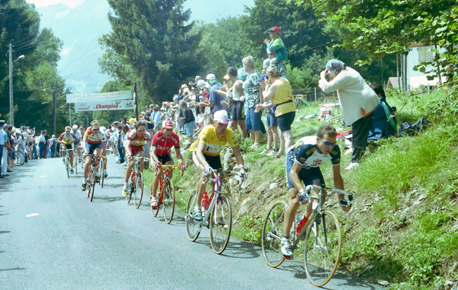 Ullrich riding to Morzine in the 1997 Tour de France