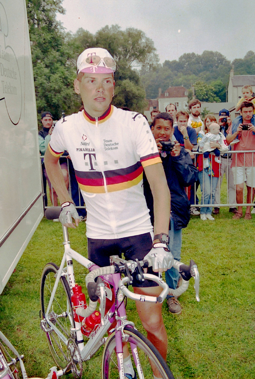 Ullrich at the start of stage 4 of the 1997 Tour de France
